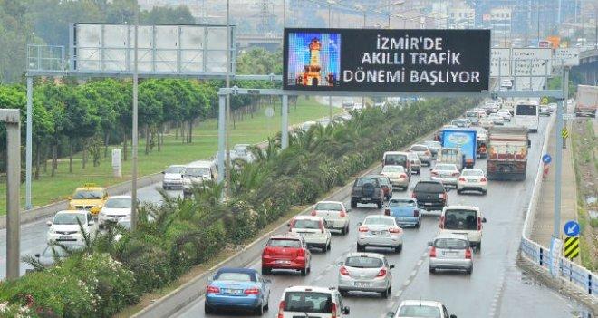 İzmir'de trafiğe kaydı yapılan taşıt sayısı arttı