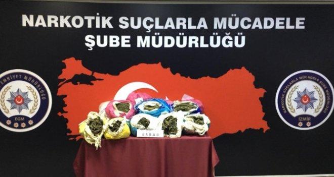 İzmir'de uyuşturucu madde ticareti yapan 30 kişi tutuklandı