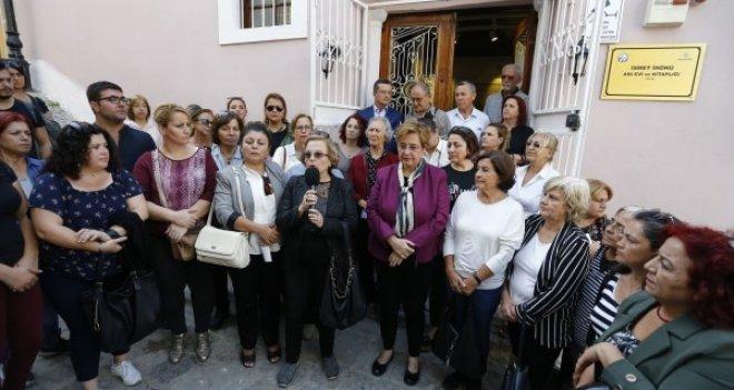 İzmirli kadınlar İnönü'ye sahip çıktı