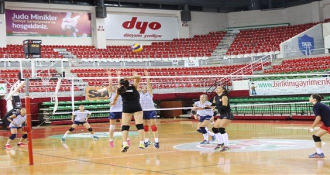 Kaf Kaf'ın kızları Arkas Spor'a kaybetti