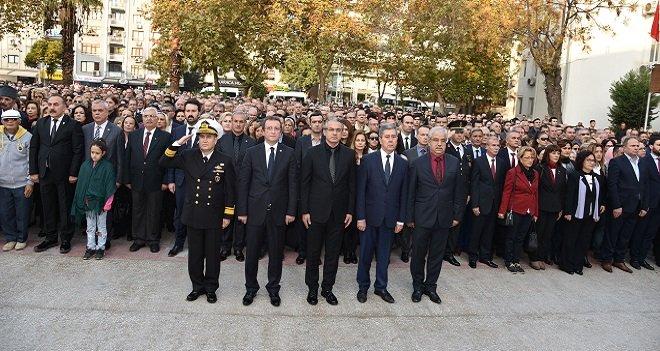 Karşıyaka Atatürk'ü saygıyla andı…