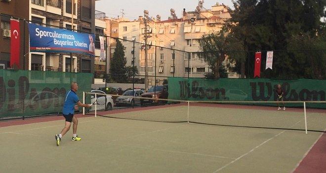 Karşıyaka Belediye Başkanlığı 2. Tenis Turnuvası başladı
