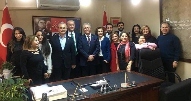 Karşıyaka Belediye Başkanlığına bir aday adayı daha...
