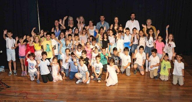 Karşıyaka Belediyesi Çocuk Kulübü'nde coşkulu final