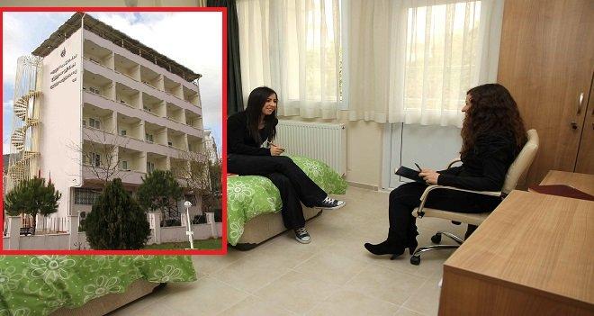 Karşıyaka Belediyesi Türkan Saylan Kız Konukevi'nde kayıtlar başladı