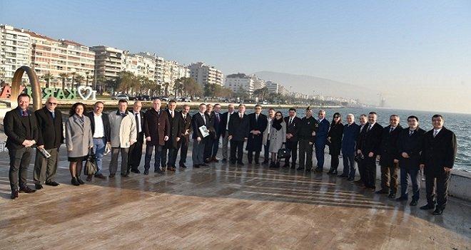 Karşıyaka Kaymakamı Yücel: Türkiye Cumhuriyeti Devleti'ne karşı bir saldırı var