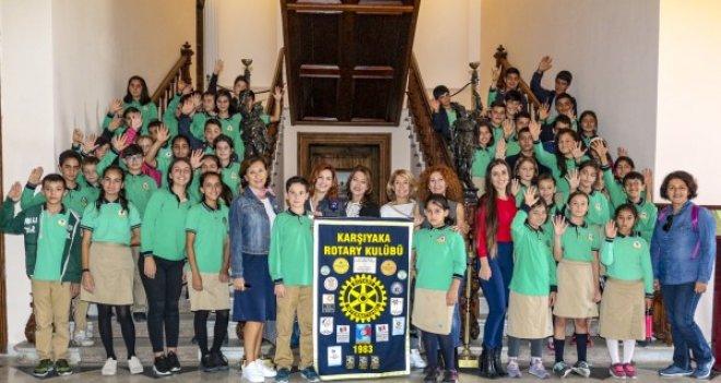Karşıyaka Rotary öğrencileri Ata ile buluşturdu