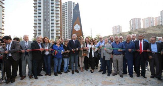 Karşıyaka'da Muhtarlar Parkı açıldı