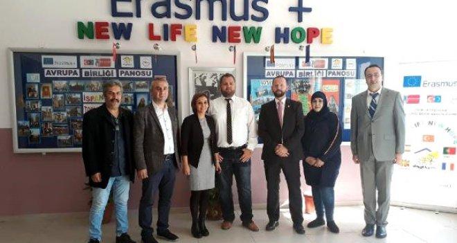 Karşıyaka'daki üç okulun Yeni Hayat Yeni Umut projesine ilgi