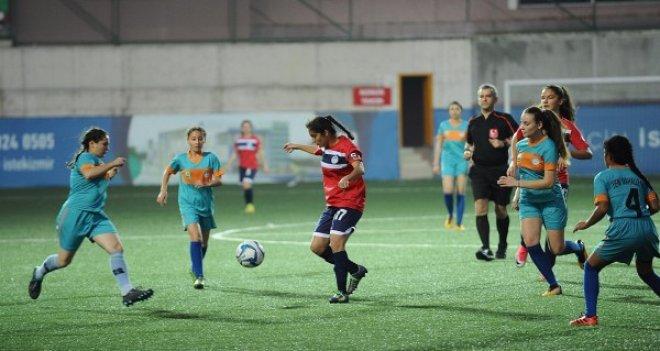 Karşıyaka'nın Efsaneleri amatör futbola can suyu oldu