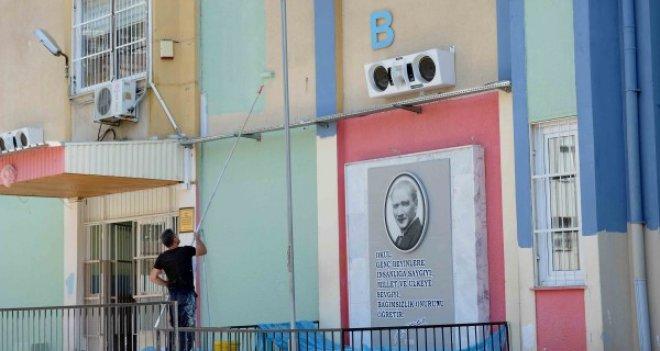 Karşıyaka'nın okulları yenilendi