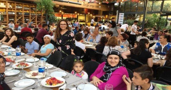 LÖSEV Ailesi geleneksel iftar yemeğinde İzmir'de bir araya geldi