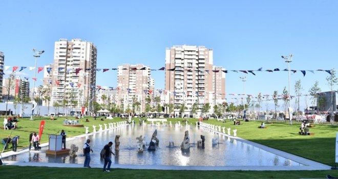 Mavişehir'deki Muzaffer İzgü Parkı törenle açıldı