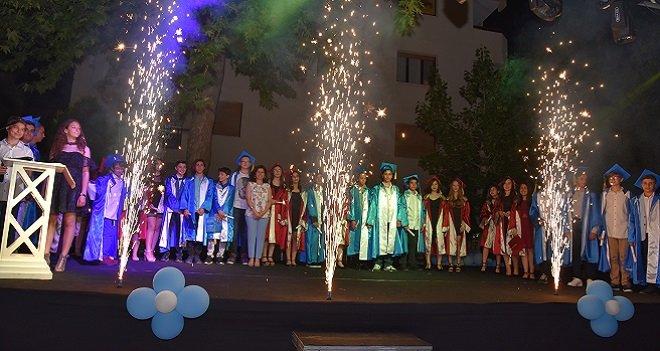 Metin Aşıkoğlu'nda mezuniyet sevinci...