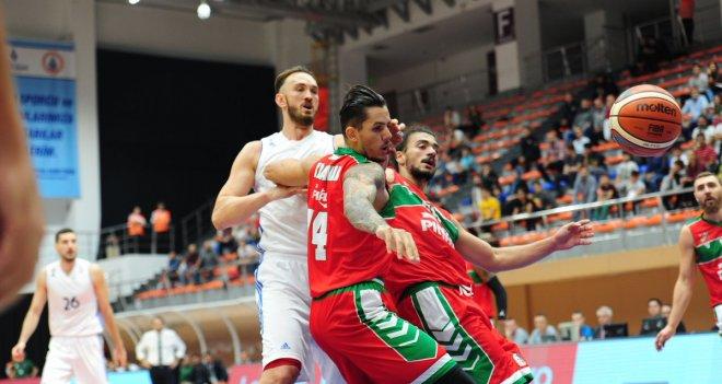 Pınar Karşıyaka ligdeki ilk galibiyetini aldı