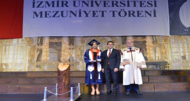 Tek kelime Türkçe bilmeden geldi, birincilikle mezun oldu
