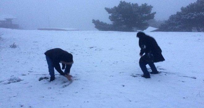 Yamanlar'a kar yağdı...