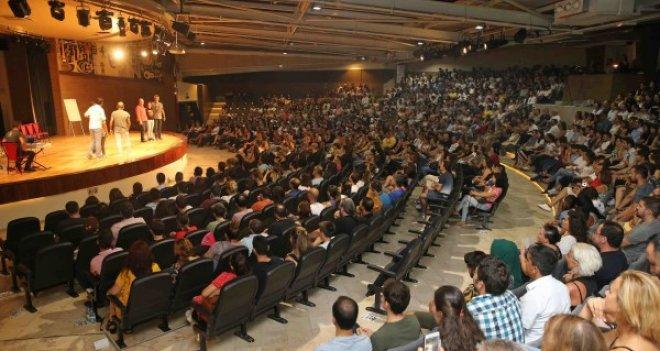 Yenilenen Bostanlı Suat Taşer Açıkhava Tiyatrosu'nda yıldızlar geçidi
