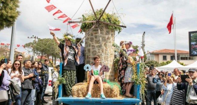 Yüzleri güldüren festival: Alaçatı Ot Festivali